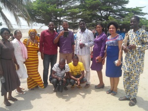 He's Alive Chapel Evangelism Team with released Prisoners (squatting in front)